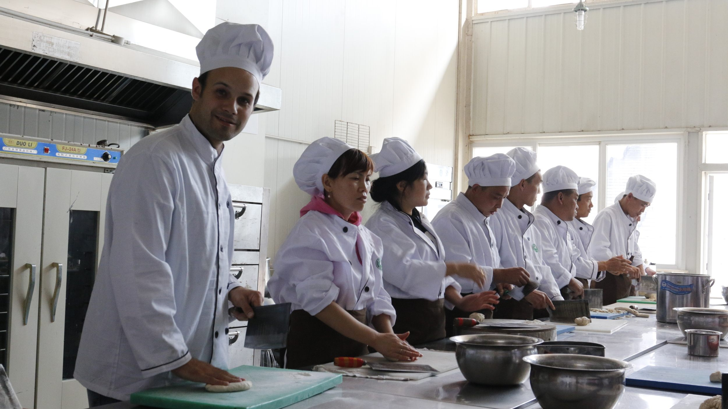 studying to cook sichuan cuisine in chengdu